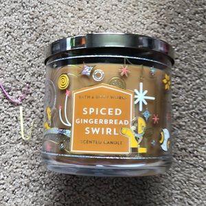 Spiced gingerbread swirl b&b candle new
